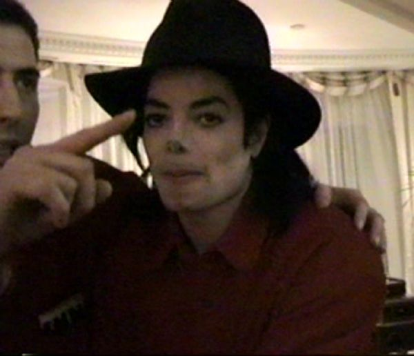 Michael Jacksons Never-Before-Seen Home Movies From Paris 1996